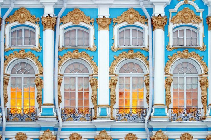 facade-decoration-of-catherine-palace-in-tsarskoye-selo